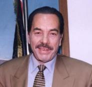 اقالة مستشاري الرئيس عباس