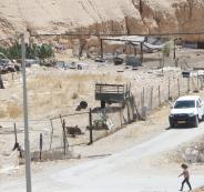 مسؤول اسرائيلي يستولي على قطعة ارض