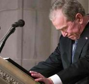 بكاء جورج بوش على والده