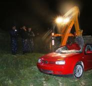 اتلاف مركبات غير قانونية في نابلس