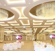 قاعات5 نجوم  مجانية لمن يتزوج قطرية