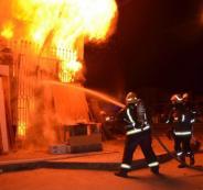 انقاذ  سيدة وابنتها من حريق منزل في الخليل