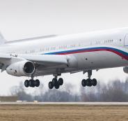 طائرة روسية معلقة في الجو