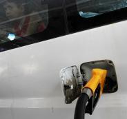 اخطار مطات وقود في رام الله