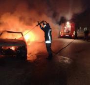 الدفاع المدني يخمد حريقاً اندلع في سيارة ببلدة الرام شمال القدس