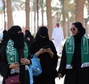 بن سلمان: المرأة السعودية غير ملزمة بارتداء غطاء الرأس