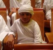طفل اماراتي يشتري لوحات سيارات