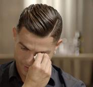 رونالدو يبكي على والده