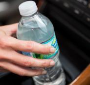 منظمة الصحة العالمية تحذر من مخاطر عبوات المياه البلاستيكية