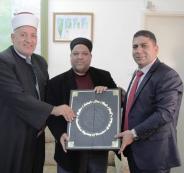 وزير الأوقاف يتسلم ملفات الأملاك الوقفية العثمانية في القدس