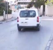 سائق مركبة يعرض حياة صحفية للخطر