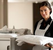 عاملات نظافة في الفنادق