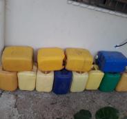 تخزين زيت الزيتون في عبوات بلاستيكية