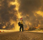 33 قتلاً جراء الحرائق التي اندلعت في كاليفورنيا