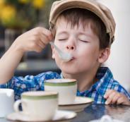 الاطفال والقهوة