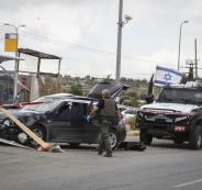 جنود الاحتلال يهددون شاب بالإعدام بعد حادث سير عرضي مع مركبة إسرائيلية