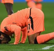 صلاح يسجل هدفين ويقود ليفربول لـ