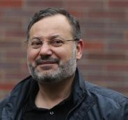 احمد منصور والاخوان المسلمين