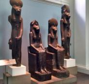 قطع أثرية مصرية