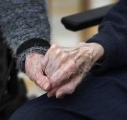 وفاة مسنين بفيروس كورونا في فلسطين