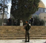 ابعاد فلسطينيين عن المسجد الأقصى