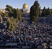 50 ألف مصل يؤدون صلاة الجمعة في المسجد الأقصى المبارك