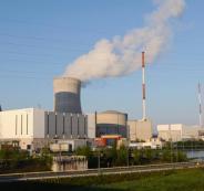 انشاء محطات نووية في ايران