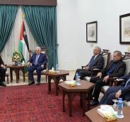 عباس والمبعوث الصيني لعملية السلام