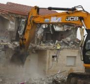 جرافات اسرائيلية تهدم منازل المواطنين في القدس والخيل