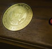 حقيقة الزر الأحمر في مكتب رؤساء أميركا الذي ظن العالم أنه مخصص لإطلاق هجوم نووي