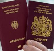 فلسطينيون يحصلون على الجنسية السويدية