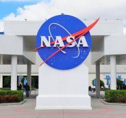 بيع وكالة ناسا الامريكية