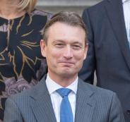 وزير خارجية هولندا يستقيل من منصبه