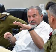 لبيرمان: اما احتلال غزة او سنخلق ربيعا عربيا في القطاع
