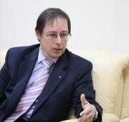 السفير حيدر آغانين