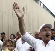 رئيس المعارضة التركي مشى على قدميه 450 كيلو بـ 25 يوما.. لماذا؟