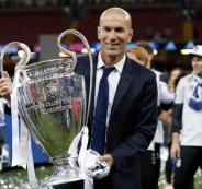 تجديد عقد زين الدين زيدان مع ريال مدريد