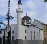 رغم احتجاجات كبيرة من المسلمين هناك.. السلطات الصربية تهدم مسجدًا اليوم