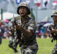الجيش الصيني قرب هونغ كونغ