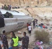 6 وفيات و38 إصابة بحادث مروع لحافلة معتمرين في الأردن