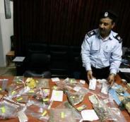 الشرطة تضبط مواد يشتبه أنها مخدرة في جنين