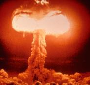 الاسلحة النووية والعالم
