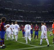 الممر الشرفي للاعبي برشلونة في ريال مدريد