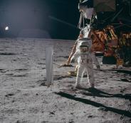 شبكة اتصالات على سطح القمر