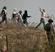 مستوطنون يهاجمون مركبات الفلسطينيين
