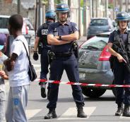 مقتل شخصين في عملية احتجاز رهائن في متجر بفرنسا
