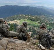 الجيش الأميركي يعتذر بعد إلقاءه مناشير تظهر صورة كلب مكتوب عليها شهادة الإيمان