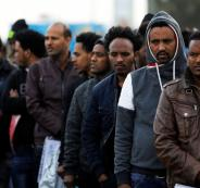 مئات المهاجرين الأفارقة في اسرائيل يضربون عن الطعام
