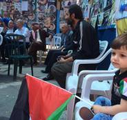 عائلات الأسرى المضربين تسلم الرئيس عباس رسالة لترامب