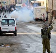 جنود الاحتلال يهاجمون طلبة المدارس بقنابل الغاز صباح اليوم في قلقيلية